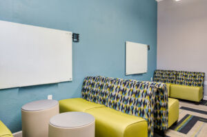The Quarters Columbia Study Lounge